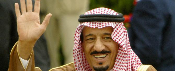 """""""Charlie"""" smaschera Il re saudita: si fa curare a sbafo in Francia"""