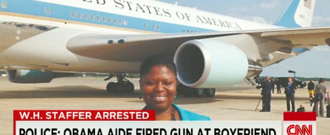 Segretaria di Obama in cella: ha minacciato il fidanzato con una pistola