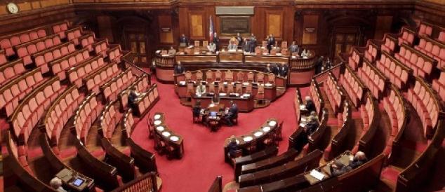 Senato elettivo e premio di coalizione: il Cav prepara lo scacco a Renzi