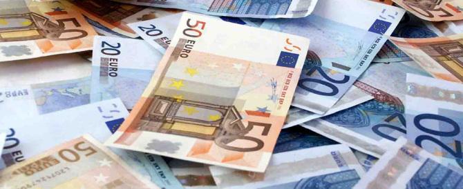 Scandalosa mancia del governo: quasi 500 euro a ogni statale 5 giorni prima del voto