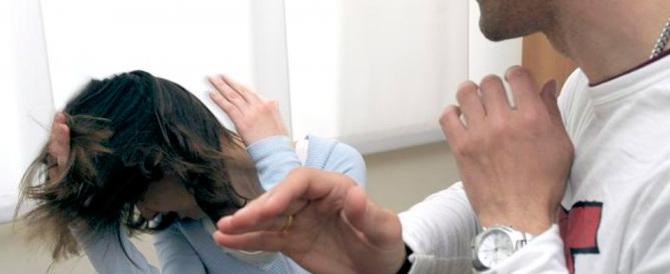 """Dà fuoco alla moglie """"peccatrice"""": un indiano sotto processo a Bergamo"""