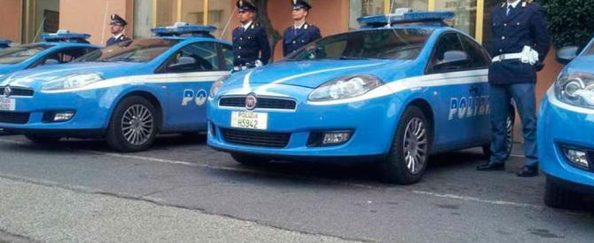 La polizia: «Parlano di sicurezza, non ci danno neppure la benzina per le auto»