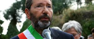 Le ridicole scuse di Marino: «Torno negli Usa per il bene di Roma…»