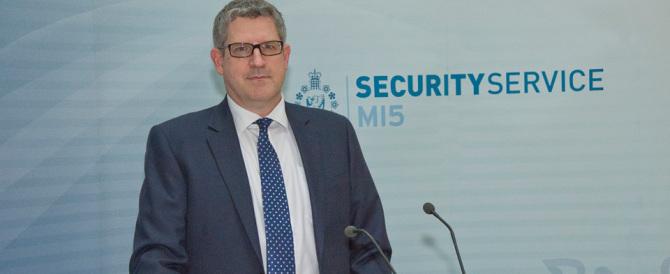 Terrorismo: Parker, capo degli 007 inglesi: oramai il web è fuori controllo