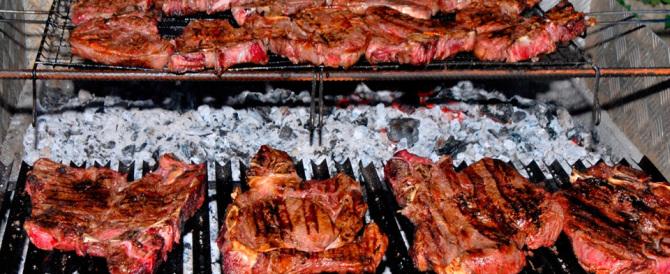 Venezia, turista si lamenta: «Bistecca cotta male». Pestato da 4 camerieri