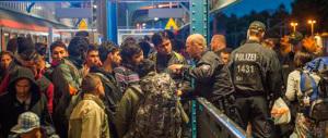Migranti, la Danimarca sblocca i treni ma solo per chi va in Svezia
