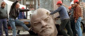 Torna alla luce la testa di Lenin sepolta in una foresta. Destinazione Berlino