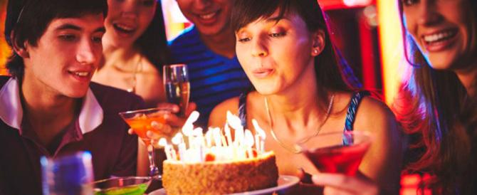 """Altro che tanti auguri: si litiga persino su """"Happy Birthday"""". Ecco perché"""