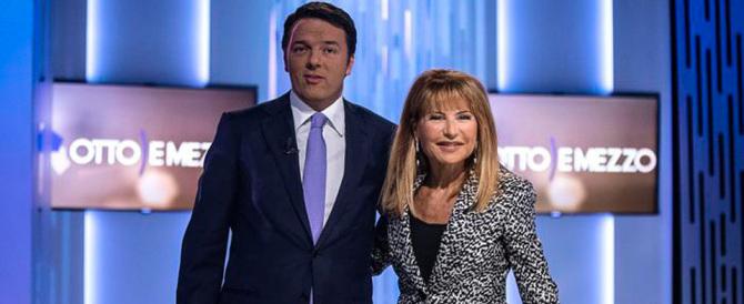 Voli di Stato, Renzi accusa il colpo e reagisce male: «Attacchi populisti»
