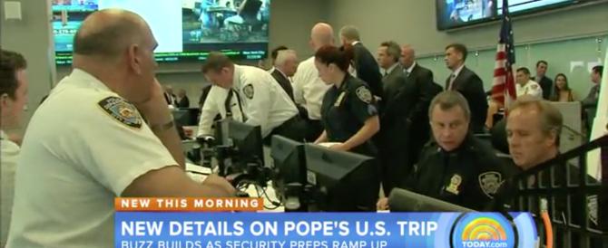 """""""Terroristi vestiti da agenti"""": è allarme negli Usa in vista dell'arrivo del Papa"""