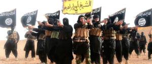 Sirte, bruciano le bandiere dell'Isis. Anche gli italiani hanno combattuto?