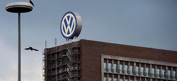 Volkswagen, si è dimesso l'AD. Ma la Merkel fa finta di non saperne nulla