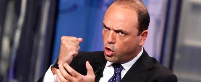 """Ncd, un sondaggio inguaia Alfano ed è bufera: """"Il partito sta morendo"""""""