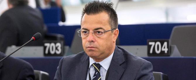 Buonanno: «Ora Renzi andrà in giro con la spillina con la faccia di Girone»