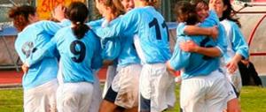 Sciopera il calcio femminile: l'Italia di Renzi delude pure le donne del pallone