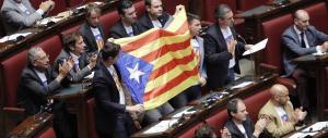 Effetto Catalogna, ora i leghisti hanno paura del loro referendum. E invocano il Cav