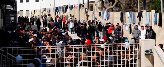 Immigrati, grazie a Fratelli d'Italia le coop dovranno rendicontare le spese