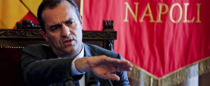 Violenza a Napoli, De Magistris accusa il governo: siete corresponsabili