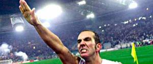 """Le Monde: «La Lazio gioca in """"camicia nera"""" per la gioia di Di Canio»"""