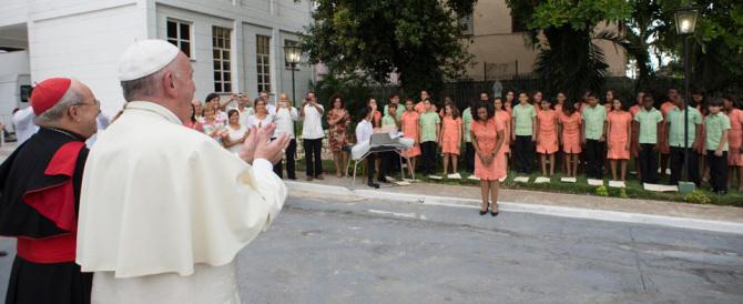 Cuba, dissidenti anticomunisti arrestati: «Non devono incontrare il Papa»
