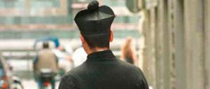 Roma, finto prete romeno truffa una famiglia e scappa con i soldi