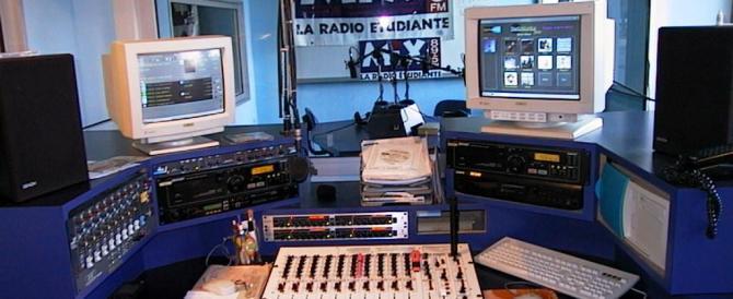 """Francia: per le radio una quota protetta di canzoni """"patriottiche"""""""