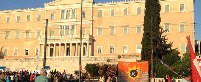 Grecia, pari nei sondaggi Syriza e conservatori. Si defila Papandreou