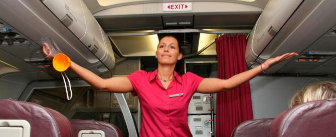 Usa, hostess musulmana non serve alcol ai passeggeri e finisce nei guai