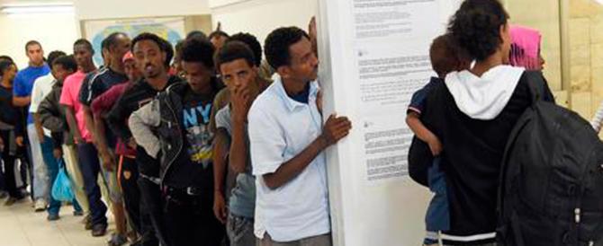 """""""L'Italia è un posto di m…"""". Tunisino sfrontato al processo: «È libertà d'espressione»"""