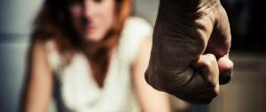 Uccide la moglie italiana a coltellate: arrestato un marocchino