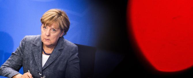 """Merkel ai costruttori di auto: """"La ripresa c'è. Ora date lavoro ai rifugiati"""""""