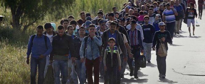 Migranti, l'Ue boccia l'Austria: «Nessun tetto sui richiedenti asilo»