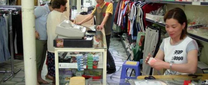 Ecco come i negozi cinesi ed egiziani si sono impadroniti dei nostri quartieri