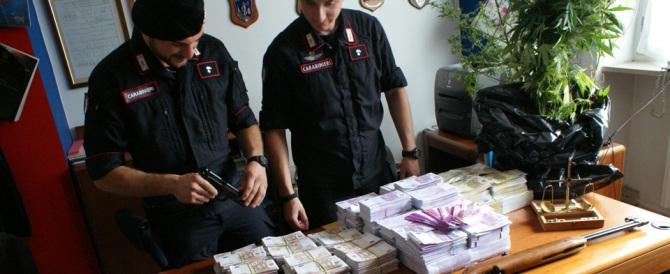 Torino, scoperte in un campo nomadi banconote false per 27 milioni di euro