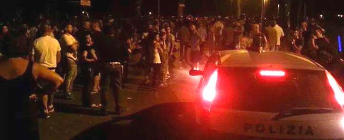 Maxi rissa tra profughi a Bolzano: 10 feriti. Distrutto il centro d'accoglienza