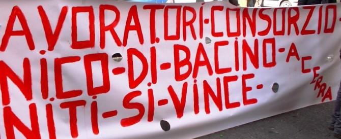 Protesta sui gommoni da spiaggia: siamo italiani, meglio se ci aiuta l'Isis