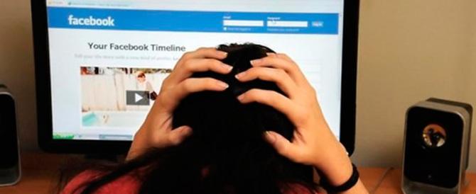 Annuncia il suicidio in diretta su Facebook: i carabinieri lo salvano