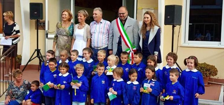 tricolori a scuola riva ligure