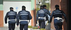 Avevano rimproverato alcuni ragazzi: vigili aggrediti e mandati all'ospedale