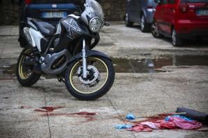 Agguato a Napoli, ucciso colpo in testa, ferito fratello