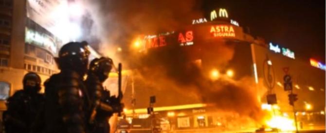 Strage in Romania: 27 morti tra cui un'italiana in un incendio in discoteca (VIDEO)