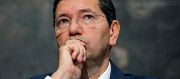 Marino in odor di primarie getta altro fango su Renzi: «Ecco come lucri sui romani»