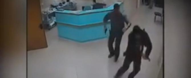 Aveva sterminato una famiglia: il Mossad lo cattura in ospedale (VIDEO)