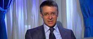 """Anche per Roma il Pd pensa a Cantone: ormai è """"stalking"""" politico"""