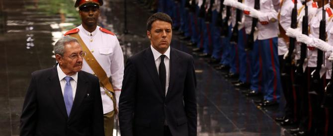 Un premier da barzelletta: Renzi a Cuba parla in spagnolo (VIDEO)
