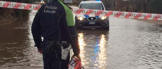 Ciclone, la Sardegna rivive l'incubo. Il sindaco di Olbia: «Non uscite di casa»