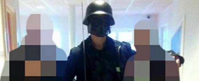 Svezia, per uccidere il killer con la spada sceglie la maschera di Darth Vader