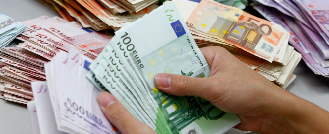 Inutile e dannoso il limite di 1000 euro nell'uso del contante. Cambiamolo