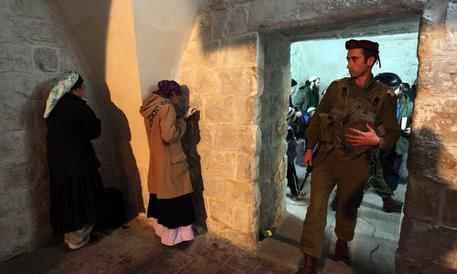 Alta tensione in Israele, incendiata la Tomba di Giuseppe a Nablus