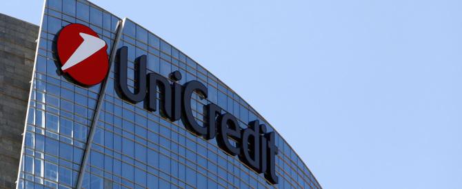 """Unicredit sotto pressione, senza ricapitalizzazione rischio """"bail in"""""""